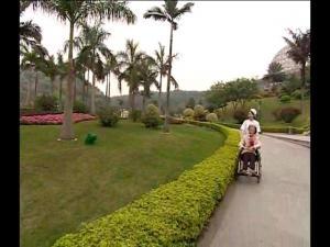 护士推轮椅