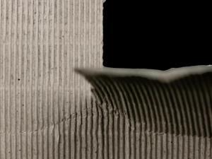 撕裂的纸张