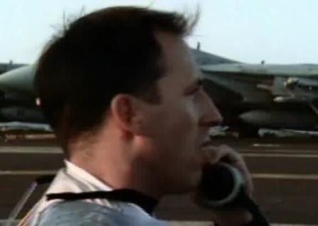 记录航母战机飞行数据