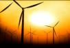 夕阳下的风力发电机