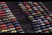 排放整齐的车辆