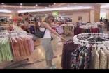 商场购物买衣服