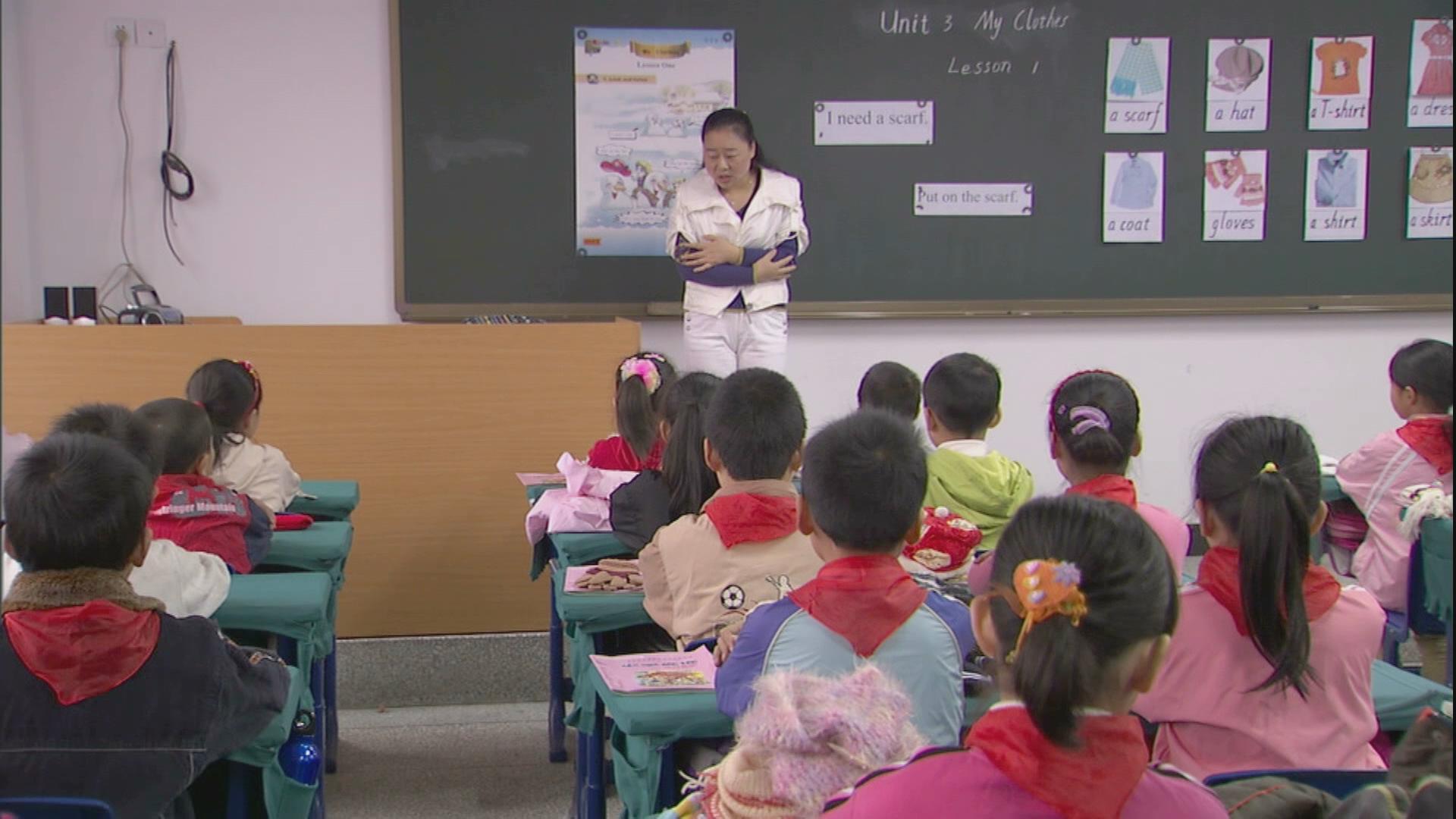 小学生上英语课高清实拍视频素材